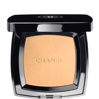 Компактная пудра Poudre universelle compacte (оттенок № 50 Peche) от Chanel