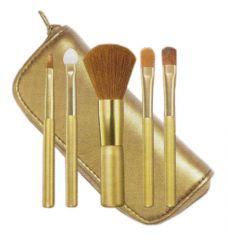 набор кисточек для макияжа от avon