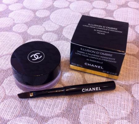 Тени для век Illusion D'ombre long wear luminous eyeshadow (оттенок № 82 Emerveille) от Chanel
