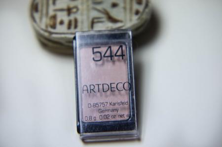 Тени для век из серии Majectic Beauty (оттенок № 544 Matt Generous Beige) от Artdeco