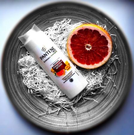 """Шампунь с экстрактом грейпфрута """"Очищение и питание"""" от Pantene Pro-V"""