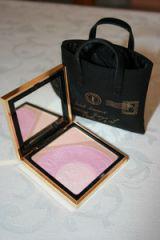 Пудра-хайлайтер Palette Y-Mail №1 Pearly Finish (limited edition spring 2010) от YSL