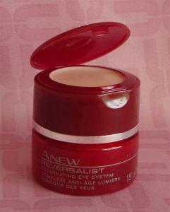 Антивозрастная система для осветления кожи вокруг глаз ANEW Reversalist от AVON