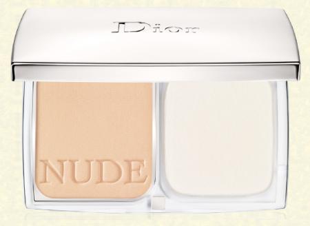 Компактная тональная основа-пудра Diorskin Nude Compacte SPF 10 (оттенок № 020 Light beige) от Dior