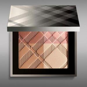 Палетка для лица Sheer Summer Glow Natural Highlighting Compact от Burberry
