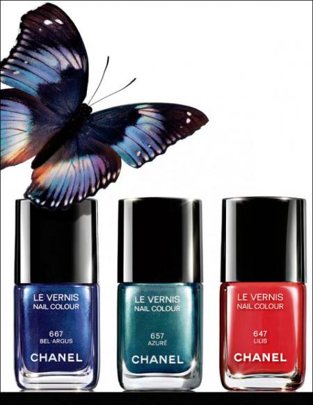 Лаки для ногтей из коллекции Summer 2013 L'ete Papillon (оттенки № 657 Azure, № 667 Bel-Argus) от Chanel