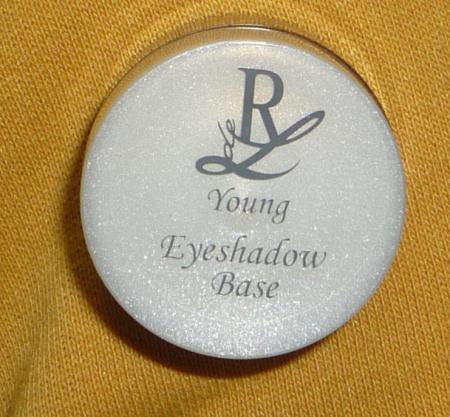 База для теней Young от Rival de Loop