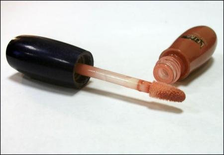 Ухаживающий блеск для губ Wild Rose SPF 15 (оттенок № 13) от Lumene