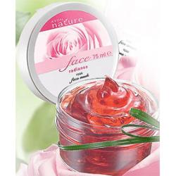 Маска из лепестков роз