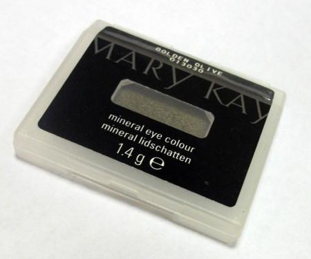 Минеральные тени оттенка Golden Olive от Mary Kay