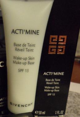 Основа под макияж ActiMine Make Up Base от Givenchy