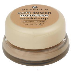 Крем-пудра Soft touch mousse от Essence