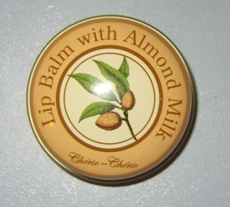 Бальзам для губ Lip Balm with Almond Milk от Cherie ma Cherie