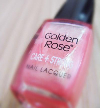 """Лак для ногтей """"Розовый жемчуг"""" Care+Strong от Golden Rose"""