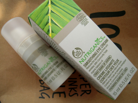 Крем вокруг глаз Nutriganics Smoothing Eye Cream от The Body Shop (1)