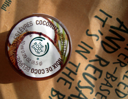 Масло для губ Coconut Lip Butter от The Body Shop