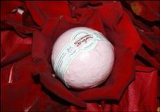 Бурлящий шар ручной работы «Земляничное искушение» от Мыловаров