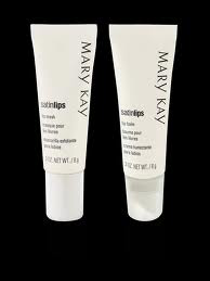 Система по уходу за губами Satin Lips от Mary Kay