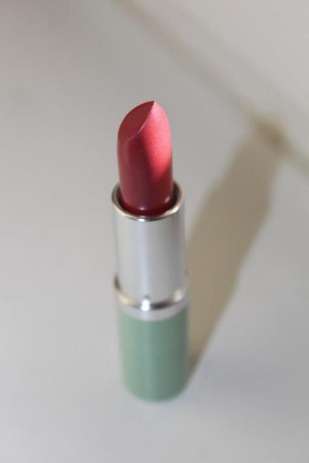Губная помада High Impact Lip Colour SPF 15 (оттенок № 19 Extreme Pink) от Clinique