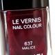 Лак для ногтей из рождественской коллекции «Eclats du Soir de Chanel» (оттенок № 637 Malice) от Chanel