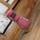 Быстросохнущий лак для ногтей Colour&go из серии Sparkle Sand Effect (оттенок № 182 Hello Rosy) от Essence